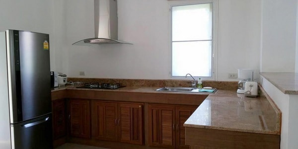 4br-house-sale-koh-chang-east-coast-kitchen