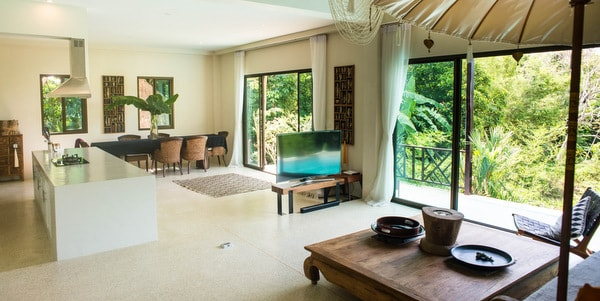 Balinese-villa-sale-koh-chang-main-room