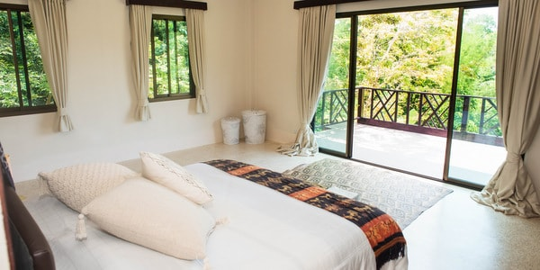 Balinese-villa-sale-koh-chang-master-bedroom-balcony