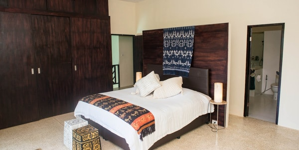 Balinese-villa-sale-koh-chang-master-bedroom-doors
