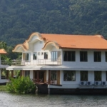 koh-chang-boat-chalets-bang-bao-beach