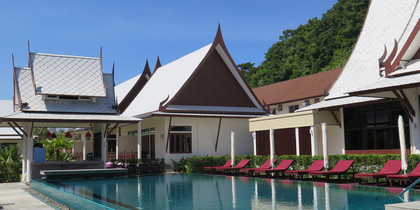 bhu-tarn-resort-koh-chang-pool