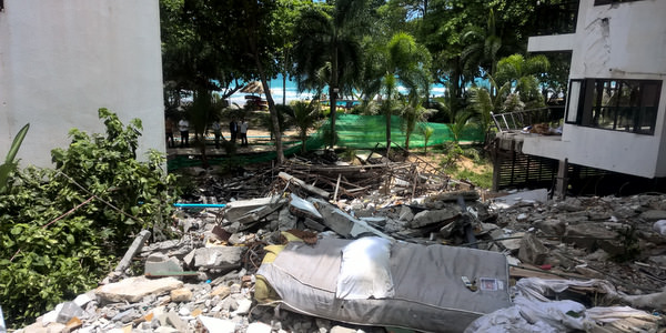 hotel-collapse-koh-chang-encroachment