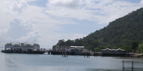 ferry-koh-chang-land-encroachment-protest-pier