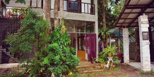 guesthouse-sale-koh-chang-entrance