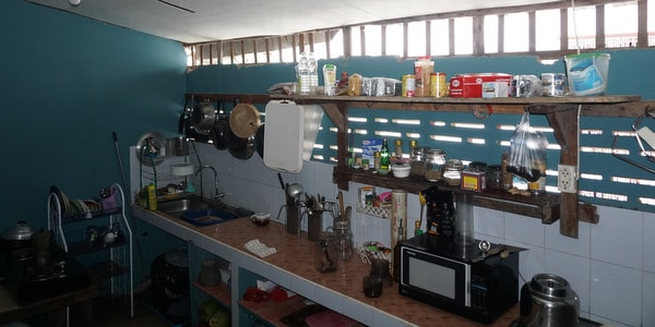 homestay-guesthouse-pizzeria-sale-koh-chang-kitchen-view
