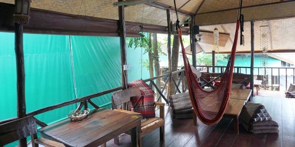 homestay-guesthouse-pizzeria-sale-koh-chang-lounge