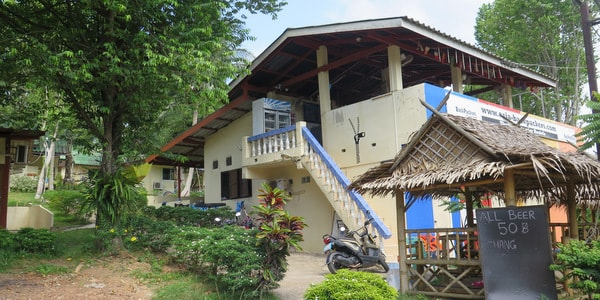 koh-chang-hostel-sale-restaurant