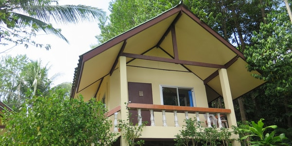 koh-chang-hostel-sale-rooms