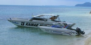 island-hopping-koh-chang-kaibae-hut-speedboat