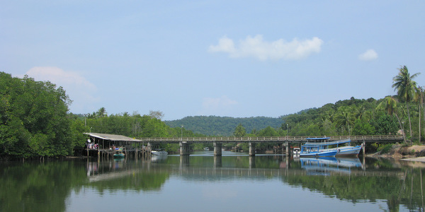 klong-chao-beach-koh-kood-bridge