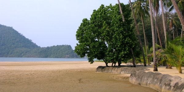 klong son koh chang beach