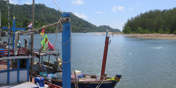 klong son koh chang fishing village