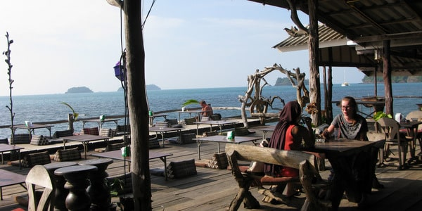 lonely-beach-restaurants-koh-chang