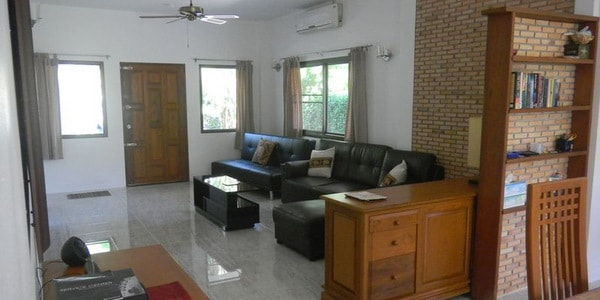 koh-chang-villa-sale-west-coast-sitting-room