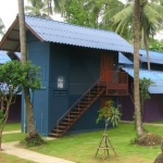 koh-chang-bungalows-resorts-KLKL-hostel-lonely-beach