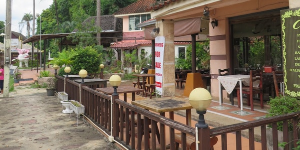 restaurant-apartment-sale-koh-chang-front