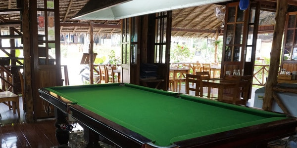 restaurant-bar-rooms-sale-koh-chang-pool-table