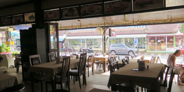restaurant-sale-koh-chang-interior-tables