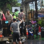 songkran-2017-koh-chang-kai-bae-beach