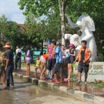 songkran-2017-koh-chang-klong-prao-beach