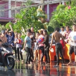 songkran-2017-koh-chang-white-sand-beach (4)-min