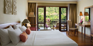 emerald-cove-koh-chang-room