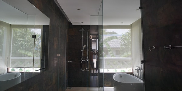 top-villa-sale-koh-chang-bathroom