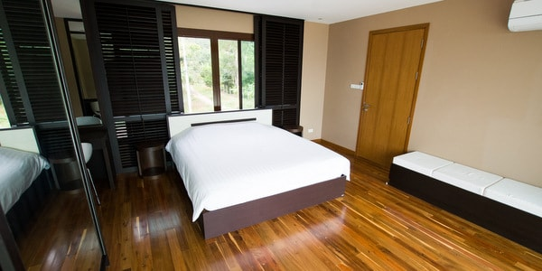 top-villa-sale-koh-chang-master-bedroom-upstairs