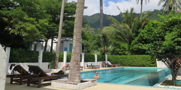 warapura-resort-koh-chang-lonely-beach-pool