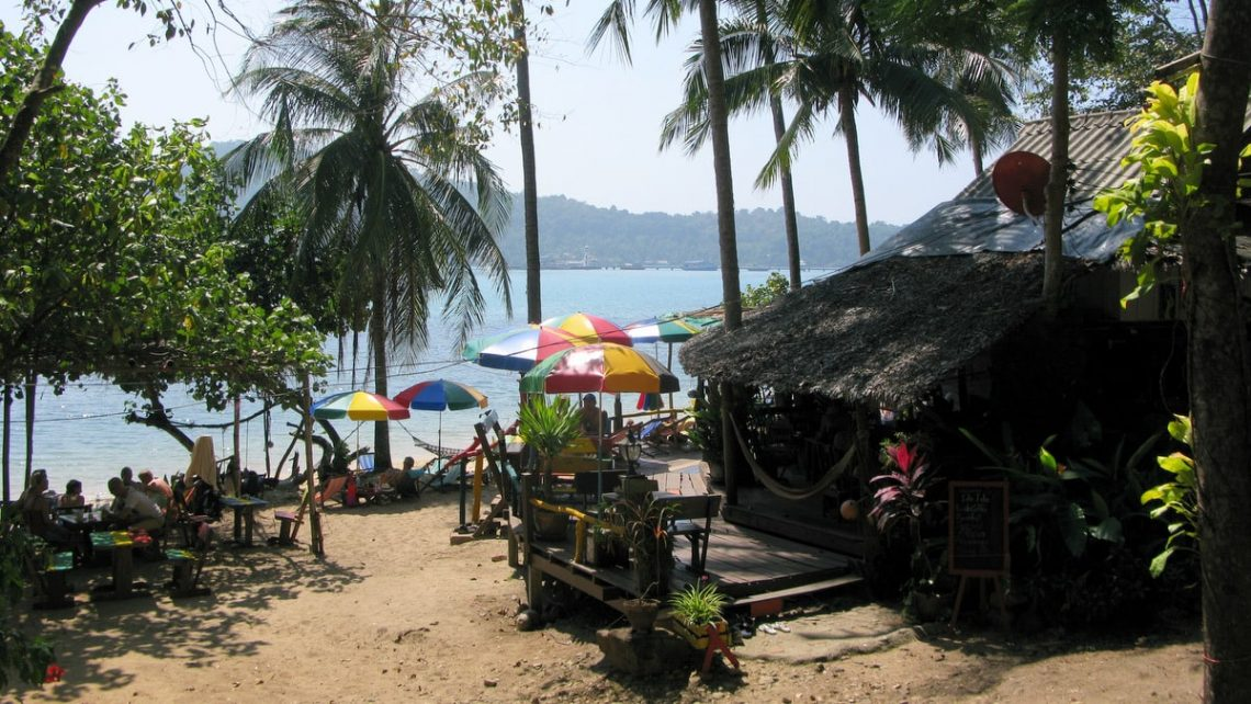bang bao beach restaurants koh chang