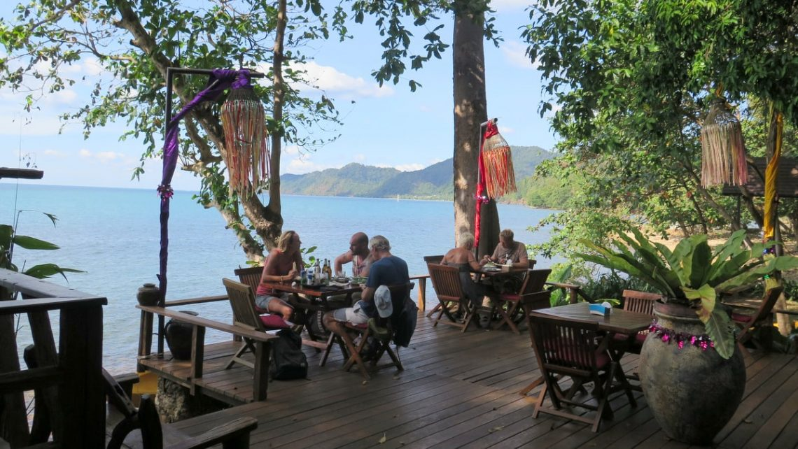 pearl-beach-restaurants-koh-chang